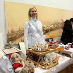 Adventa tirdziņā Rīgas Lutera draudzes kora tērpu iegādei saziedoti 3900 eiro